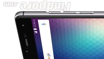 BLU R1 HD smartphone photo 5