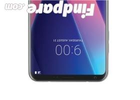 LG V30 smartphone photo 8