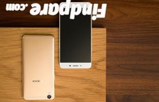 Oppo R9 smartphone photo 3