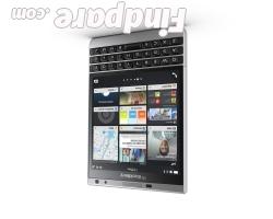 BlackBerry Passport Silver Edition smartphone photo 5
