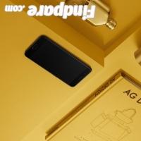 Oppo R11 smartphone photo 3