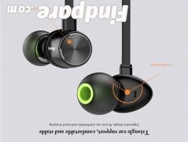 AWEI WT30 wireless earphones photo 6