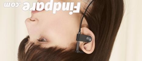 BeoPlay Earset wireless earphones photo 2