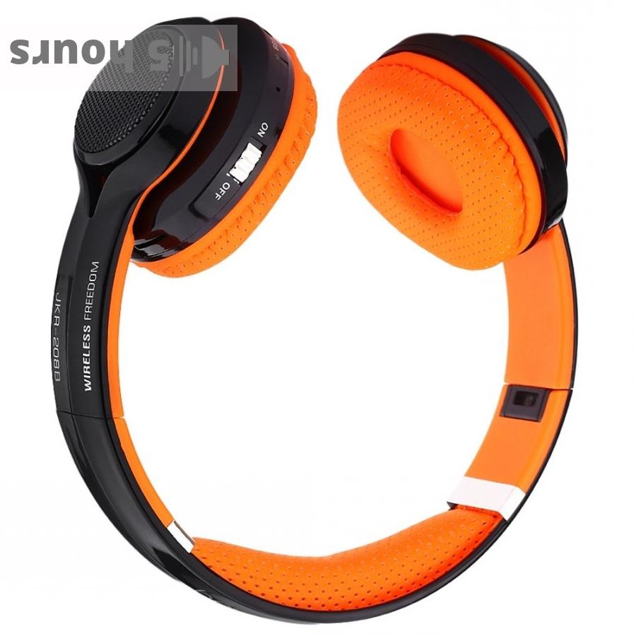 JKR 208B wireless headphones
