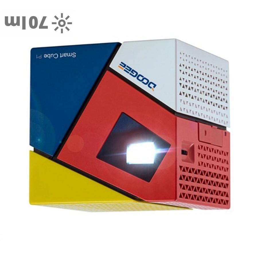 DOOGEE P1 portable projector